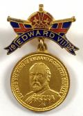 King Edward VII 1902 Coronation portrait souvenir badge