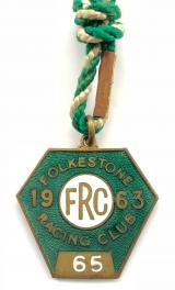 1963 Folkestone horse racing club badge