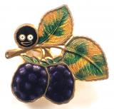 Robertsons pre war Golly bramble fruit badge