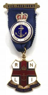 BADGE NEW 0N PATCH RNLI LIFEBOAT IRON
