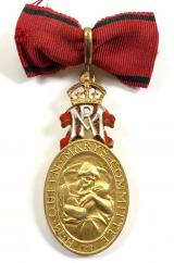 H.M.Queen Mary's Committee for District Nursing medal