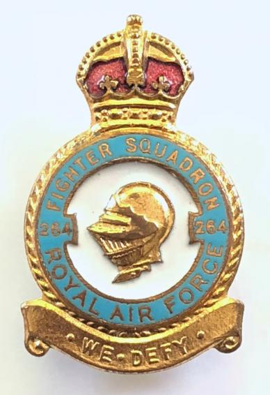 RAF estación leconfield Pin Insignia