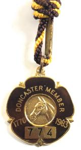 1983 Doncaster Racecourse horse racing badge