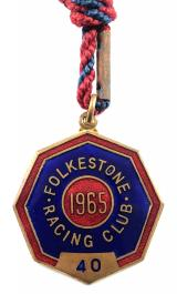 1965 Folkestone horse racing club badge