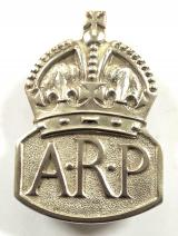 Air Raid Precautions 1939 silver ARP lady warden pin badge