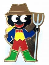 Robertsons 2000 Golly farmer organic mincemeat advertising badge