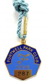 1996 Fontwell Park horse racing club members badge